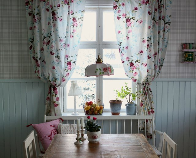 шторы на кухню короткие из тюля