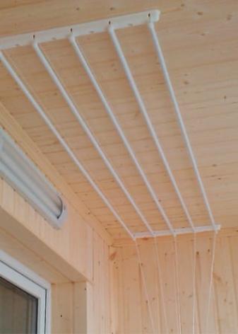 сушка белья на балконе идеи