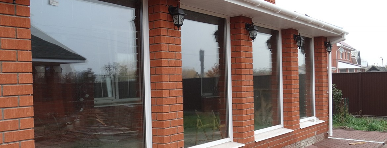 большие окна в частном доме фото