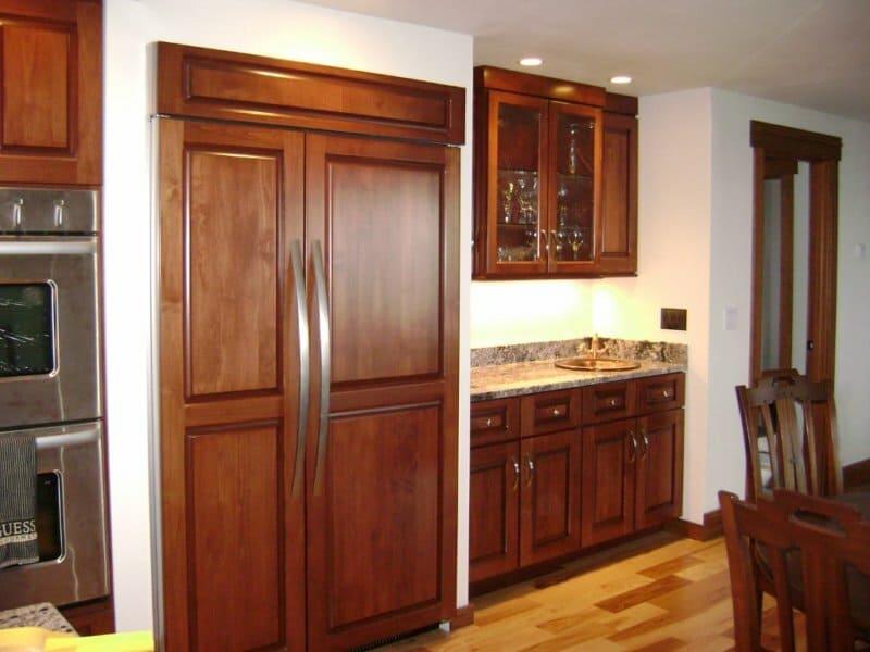 5 мест куда поставить холодильник на кухне