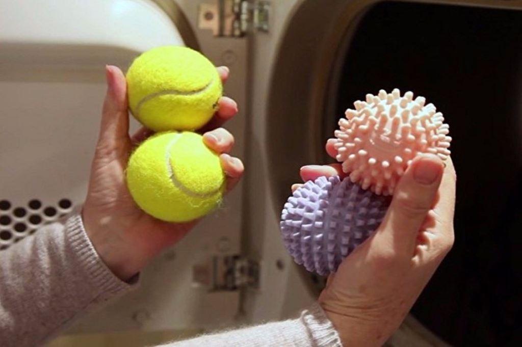 Стирка пуховика в стиральной машине вместе с теннисными мячиками