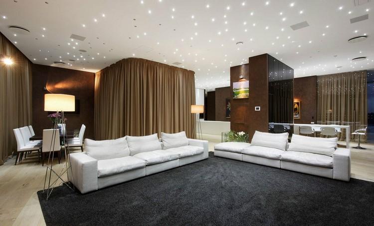 Потолок со звездным небом, натяжной или подвесной из гипсокартона двухуровневый с мерцающим эффектом в дизайне детской комнаты, ванной и спальне