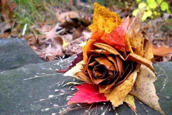 поделки из кленовых листьев для детей