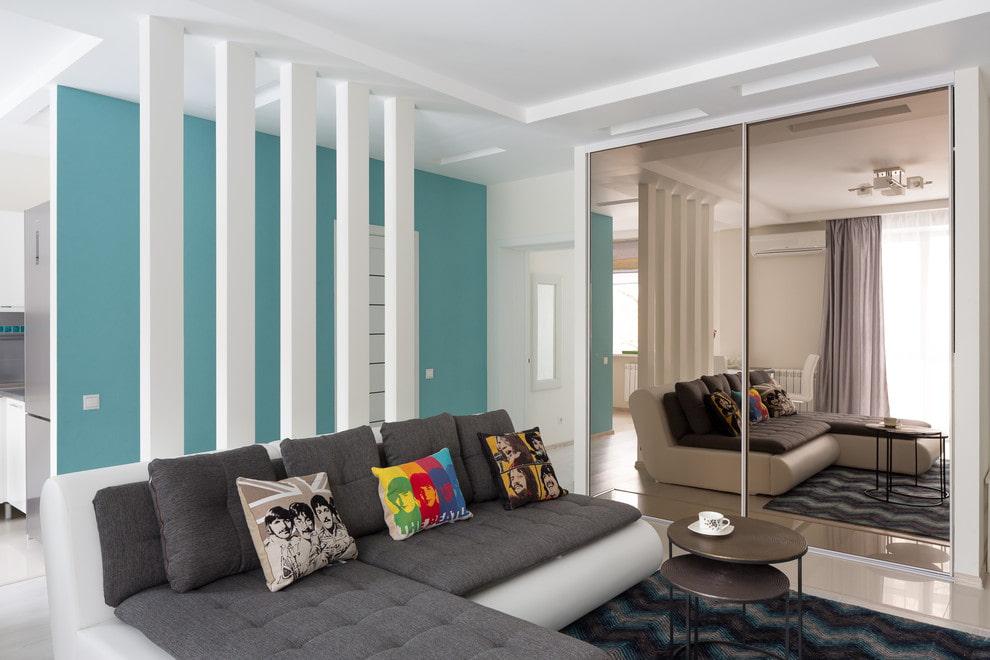 Шкафы в гостиную в современном стиле: особенности оформления, как подобрать мебель, что лучше – шкаф-купе, барный, угловой, горка или сервант, фото интерьеров