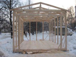 Деревянный гараж: как построить своими руками