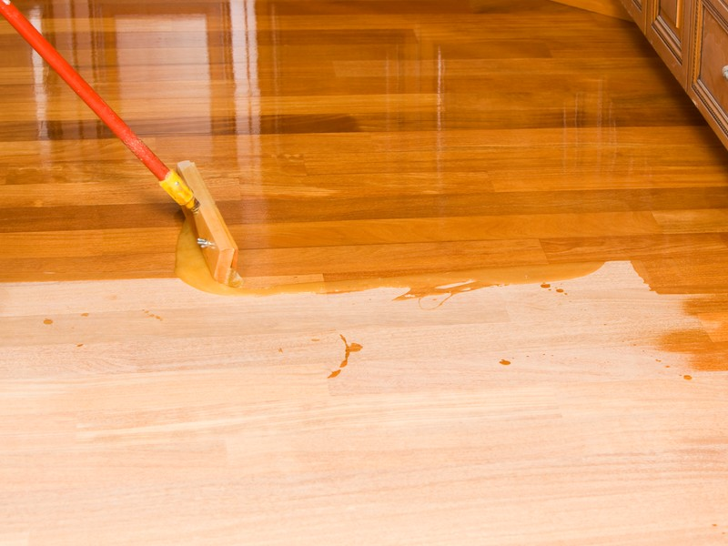 Как правильно сделать лакировку деревянного пола