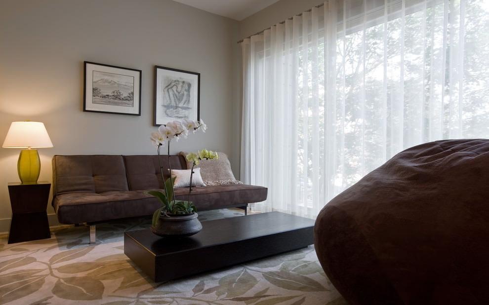 Шторы в бежевую гостиную (50 фото): шторы в коричнево-, шоколадно-, голубо-бежевых и других тонах в интерьере бежевого зала