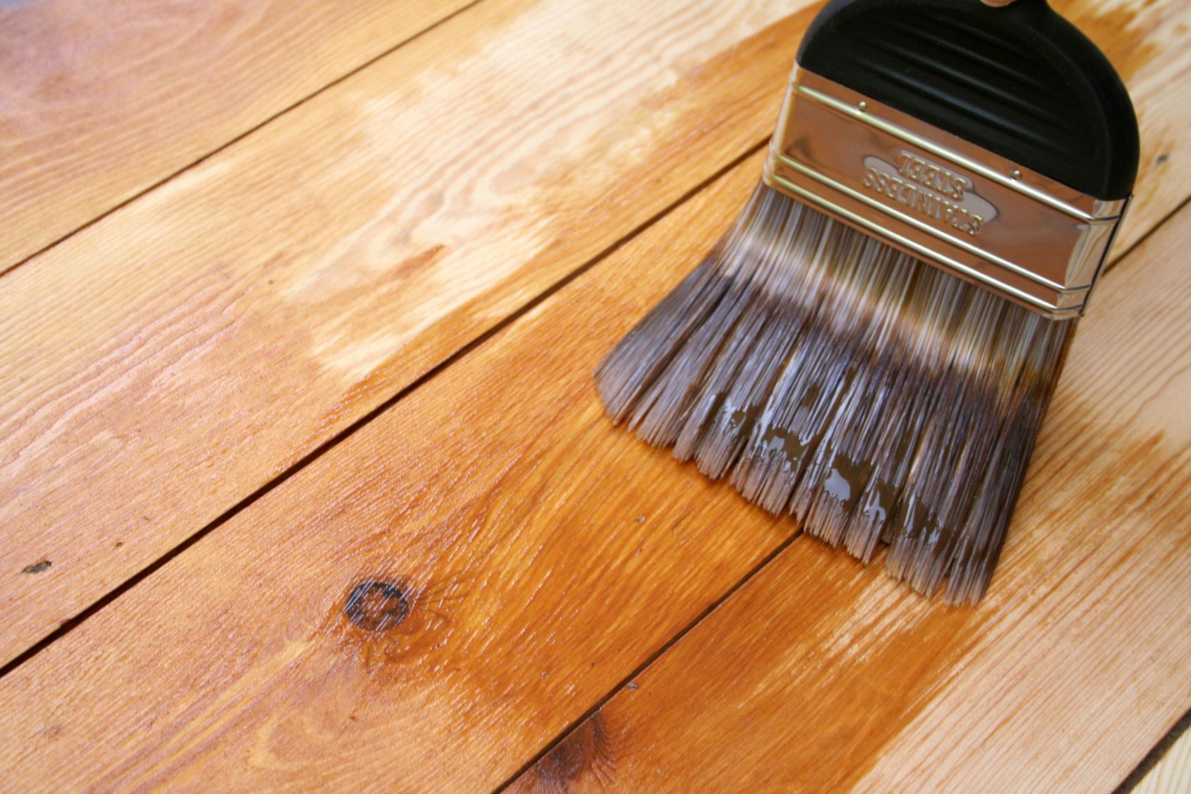 Материалы для покраски деревянных изделий
