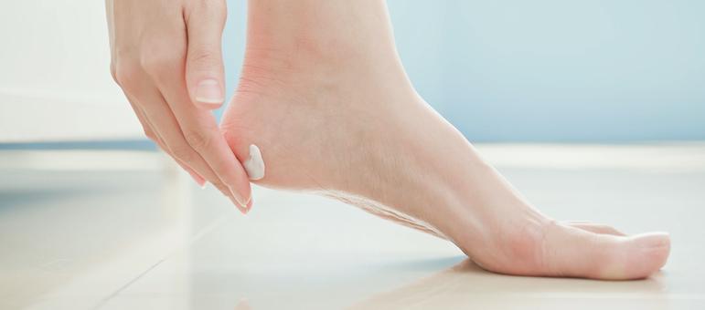 Лечение грибка на ногах народными средствами - эффективные рецепты домашних ванночек и препаратов