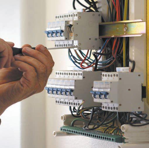 Как поменять автомат в щитке своими руками