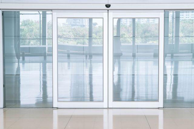 Как делают стекло: особенности производства