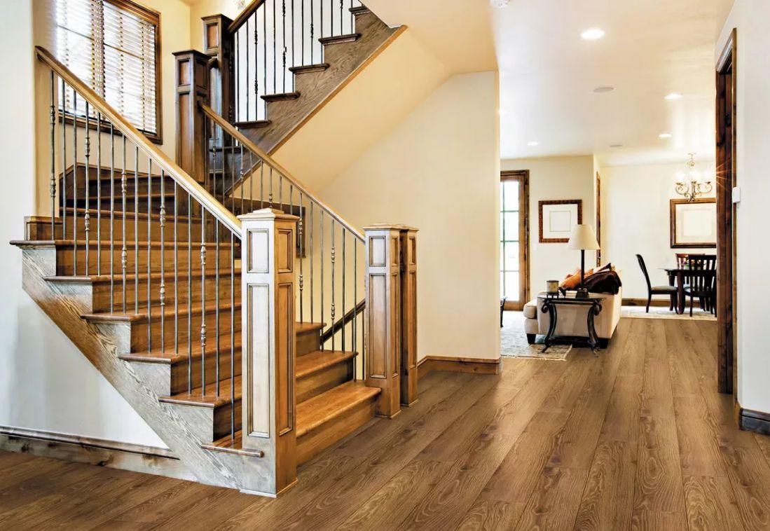 лестница в доме на второй