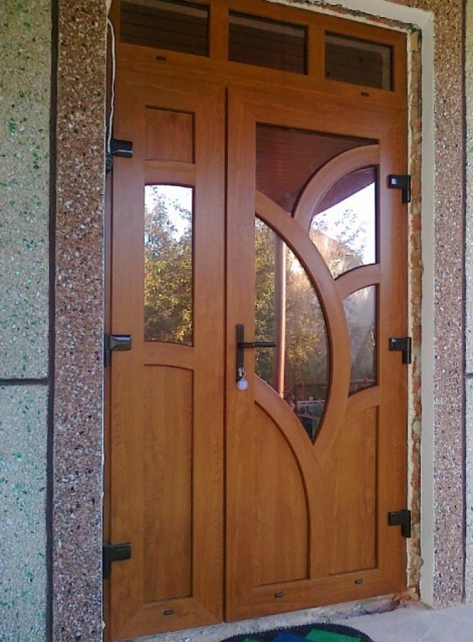 Входные двери со стеклом (70 фото): уличные варианты для загородного дома, алюминиевые и пластиковые модели со стеклянными вставками