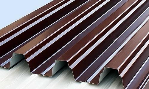 Как правильно покрыть крышу рубероидом?