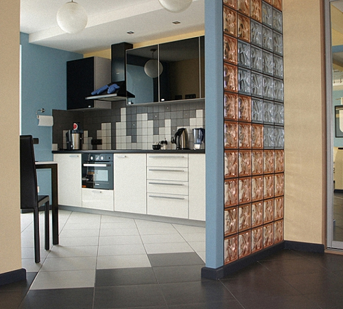 Стеклоблоки в интерьере: мерцающие идеи декора | дом мечты