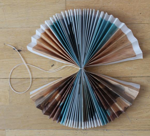 Подборка схем и изделий связанных узором листья спицами