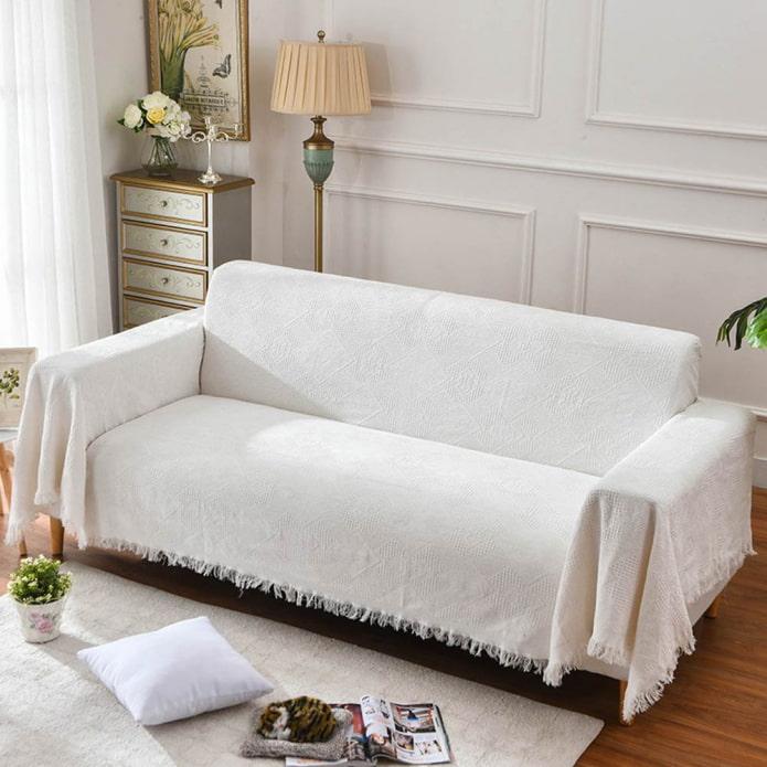 Выбираем модный плед на диван (31 фото): обзор стильных новинок, тенденции красивых покрывал в современном стиле, однотонных и с рисунком