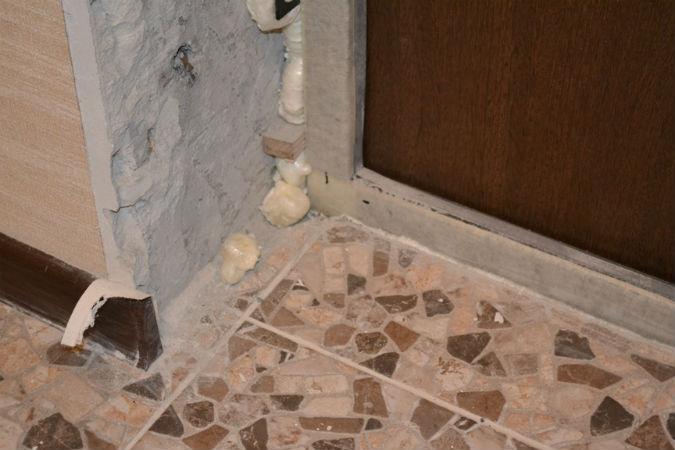 Материалы для отделки входных дверей. описание наиболее распространенных вариантов | все про двери