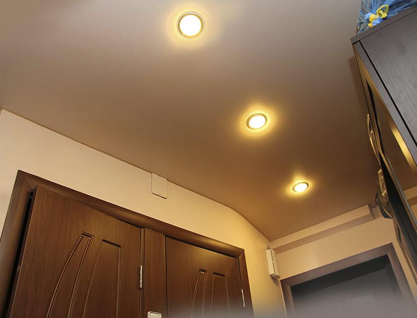 светодиодные линии на натяжном потолке
