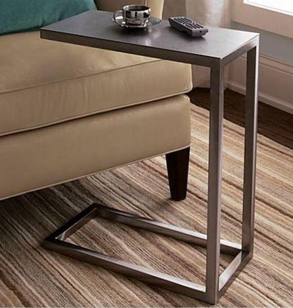 Придиванный столик (54 фото): приставной стол на колесах для дивана с подлокотником, модели с ковкой на колесиках от ikea
