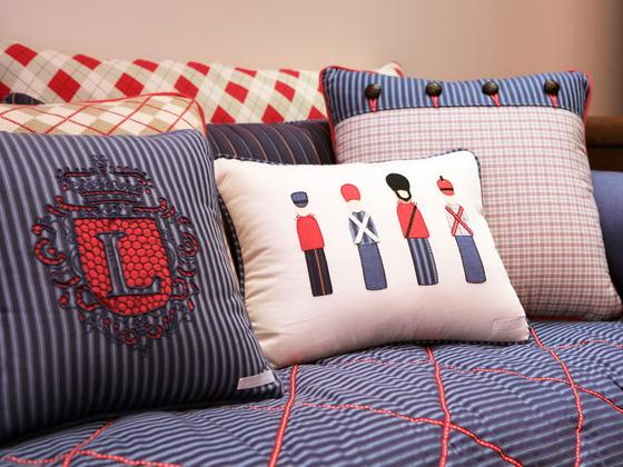 75 примеров декоративных подушек: их фото и особенности