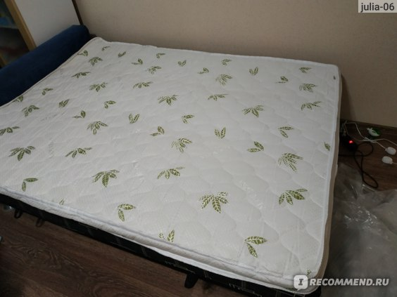Топпер — тонкий корректирующий матрас на диван для сна: виды и правила выбора