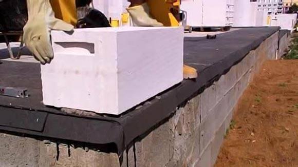 Выбираем и строим фундамент для дома из газобетонных блоков