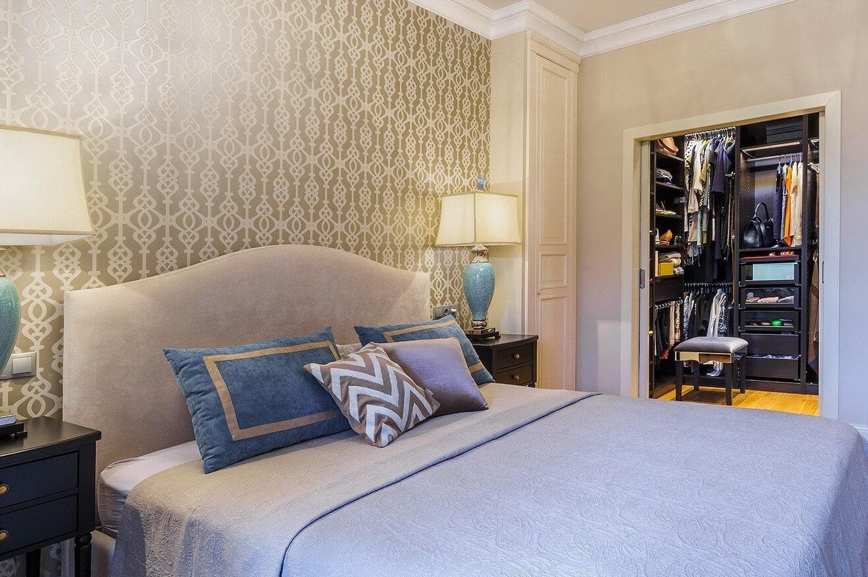 Внутреннее наполнение углового и встроенного шкафа купе в спальню. самые актуальные и практичные модели + 140 фото