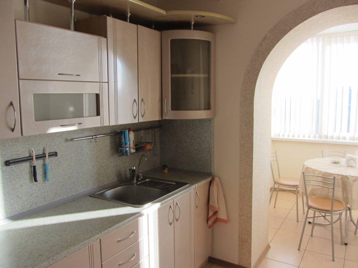 Дизайн кухни с балконом: все идеи в одном месте