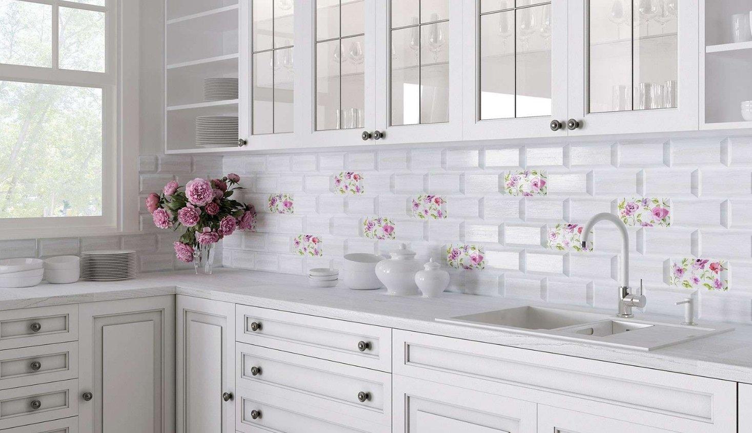 Напольная плитка для кухни с орнаментом