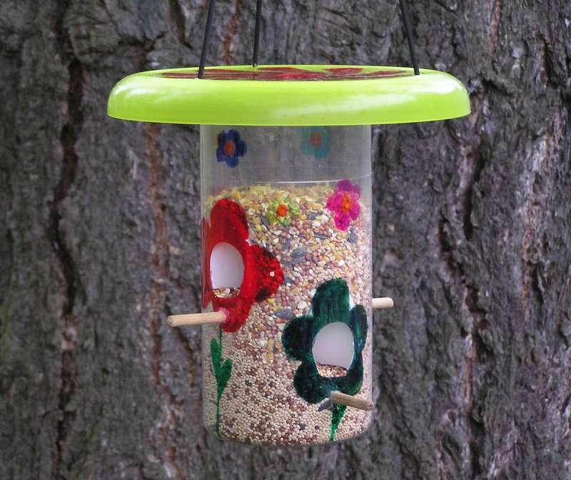 Кормушки для птиц из дерева своими руками (50 фото): оригинальные идеи для создания красивых деревянных кормушек. как сделать кормушку по чертежу с указанными размерами?