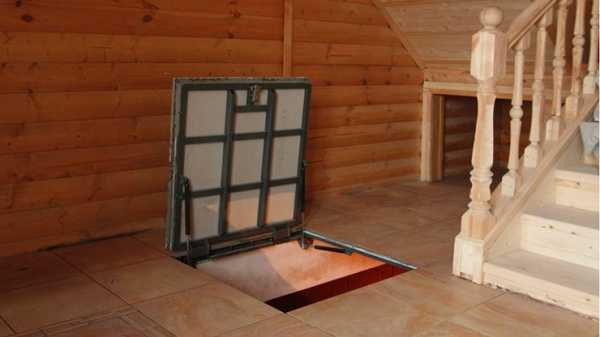 Напольный люк в подвал: петли и амортизаторы для крышки в погреб, каких размеров должен быть, как сделать, чертежи, видео