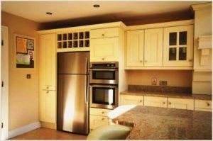 Как разместить холодильник на кухне и не нанести вред ему и другим приборам