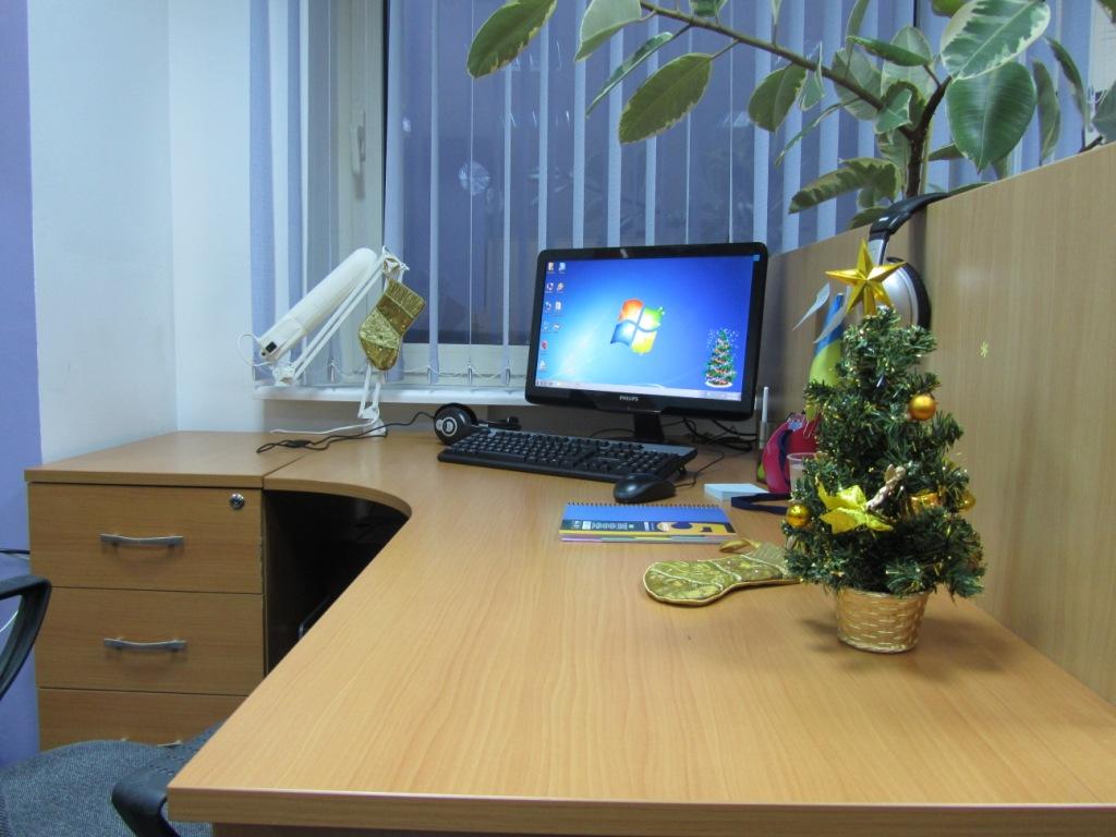 Компьютерный стол: 90+ фото в интерьере, современные идеи оформления