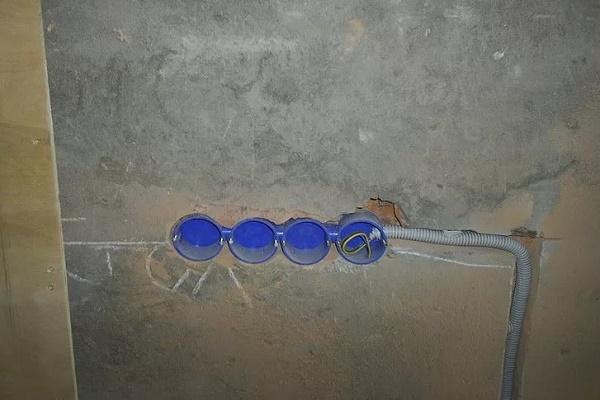 коробки под розетки и выключатели