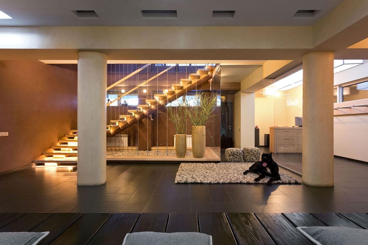 Подсветка лестницы и ступеней в доме: варианты и способы устройства своими руками