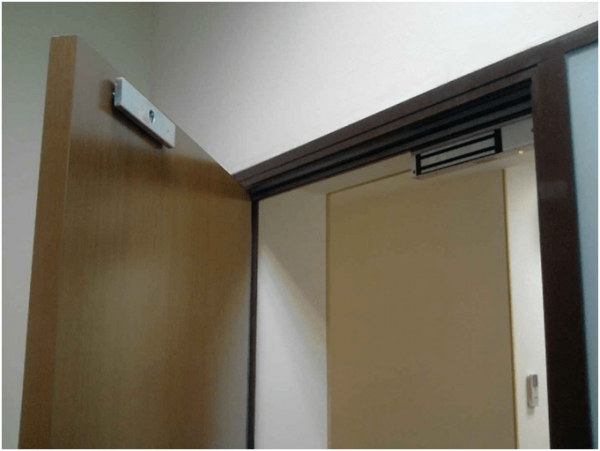 Магнитный замок на входную дверь: какой лучше