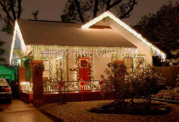 Новогоднее оформление коттеджа: украшение загородного дома гирляндами к новому году