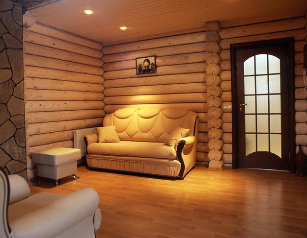 Чем лучше обшить деревянный дом внутри - материалы и практические советы