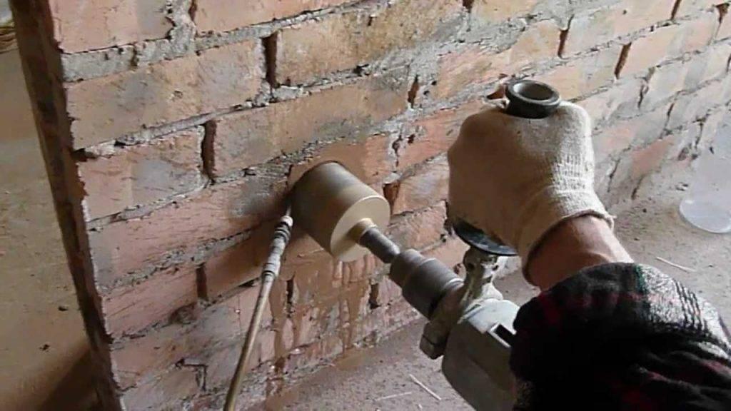 Разновидности коронок по бетону для установки розеток