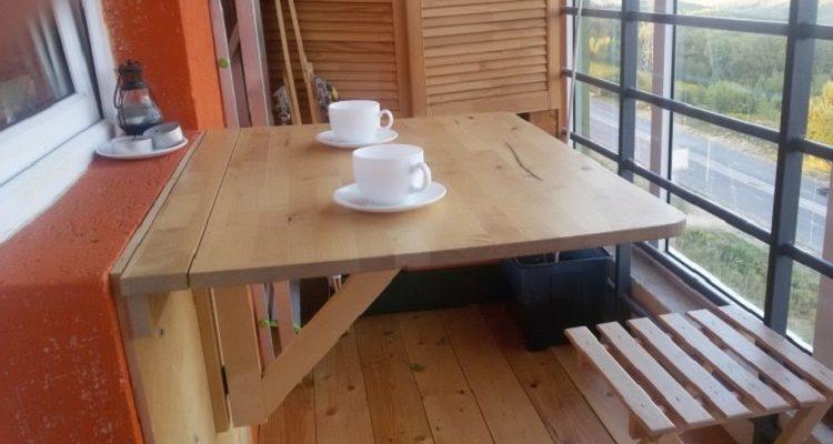 столик на балкон