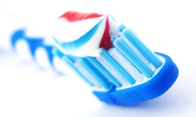 Частичные съемные зубные протезы – виды и советы по выбору