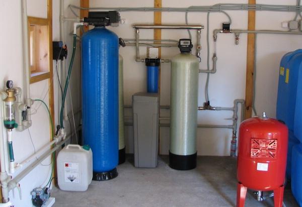 Очистка воды из скважины в загородном доме до питьевой и выбор фильтра