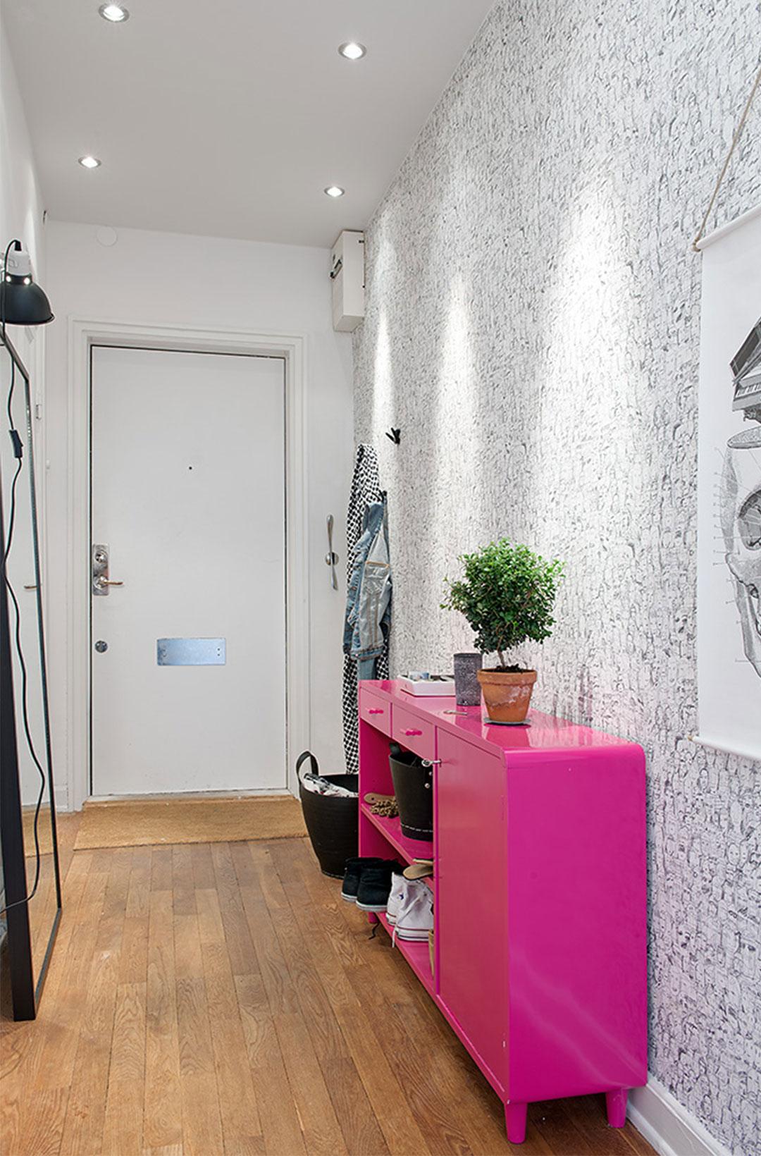Обои для прихожей и коридора — реальные фото, идеи интерьера