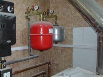 подключение расширительного бака к закрытой системе отопления
