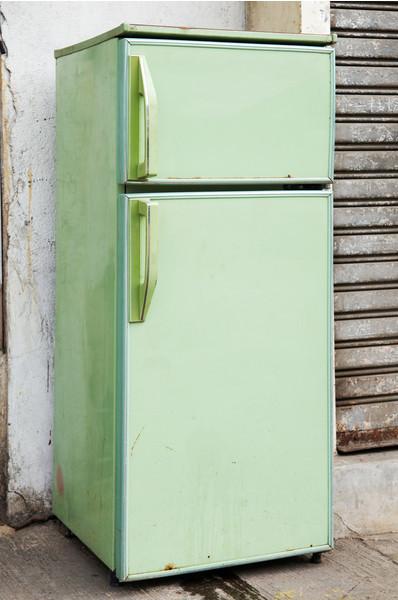 Как покрасить старый холодильник: инструкция по окраске, какой краской лучше, видео и фото