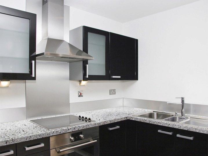 Угловая вытяжка (22 фото): встроенная конструкция для кухни над плитой в дизайне интерьера