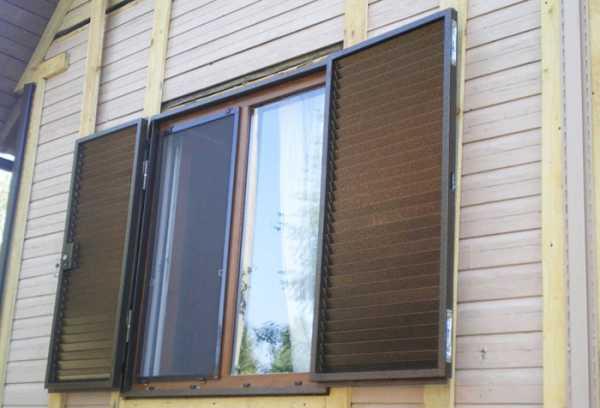 Наружные жалюзи на окна – особенности и основные преимущества защитных конструкций
