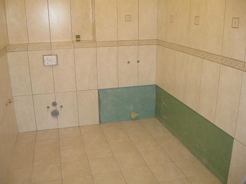 как класть плитку на гипсокартон в ванной