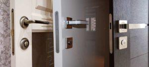 Магнитный замок на межкомнатную дверь: типы, виды